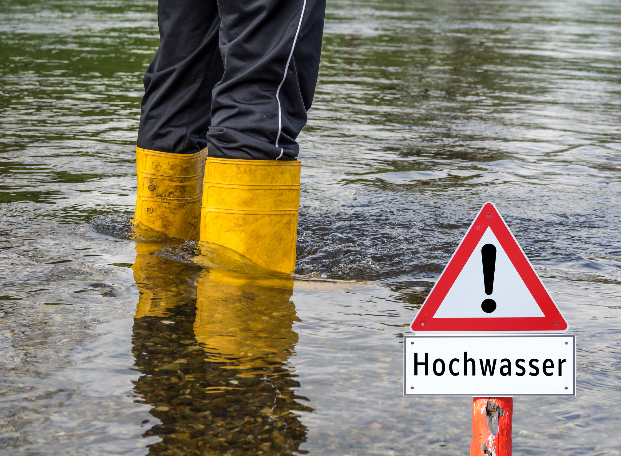 "Flood sign German ""Hochwasser"""